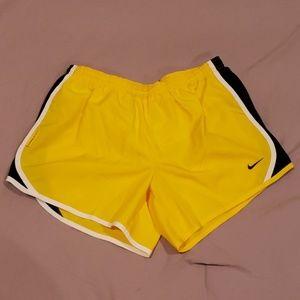 Women's Nike Dri-Fit Shorts | Size: M/XL